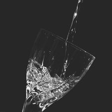 Free Time-lapse Clear Wine Glass With Water Royalty Free Stock Photo - 82995775