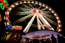 Free Ferris Wheel In Funfair At Night Stock Photography - 82996382