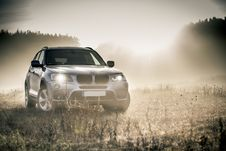 Free Silver Bmw Suv Royalty Free Stock Photo - 82997245