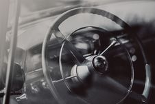 Free Black Leather Steering Wheel Royalty Free Stock Photography - 82998577