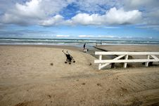Free Beach Activities Royalty Free Stock Photo - 831365