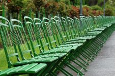 Free Green Park Benches Royalty Free Stock Photography - 832737
