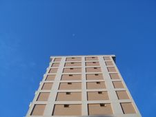 Free Side Of Building With Sky Royalty Free Stock Image - 835126