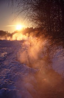 Free Frozen Sunset Royalty Free Stock Images - 835549