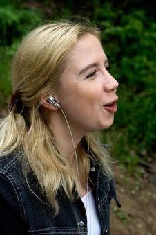Free Karaoke In The Wood Royalty Free Stock Image - 839946