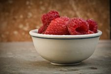 Free Raspberries Royalty Free Stock Image - 8302296