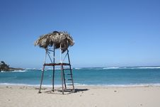 Free Seashore With Lifeguard Posthouse, In Havana Royalty Free Stock Images - 8303409