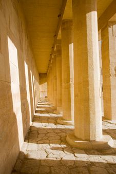 Free Temple In Egypt Royalty Free Stock Photos - 8303608