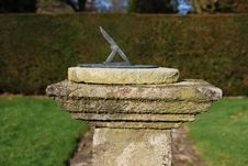 Free Sundial In Garden Stock Photo - 8304740