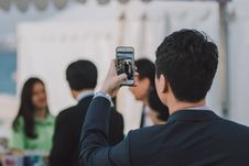 Free Businessman Using Smartphone Royalty Free Stock Image - 83009006