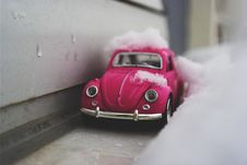 Free Toy Car In Snow Royalty Free Stock Image - 83009206