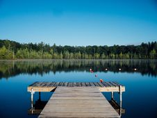 Free Wooden Pier In Lake Stock Photo - 83009330
