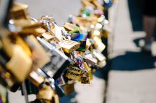 Free Locks Of Love Royalty Free Stock Images - 83009739