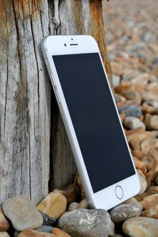 Free Silver Iphone 6 Royalty Free Stock Photo - 83009885