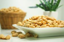 Free Plate Of Peanuts Royalty Free Stock Images - 83010419