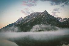 Free Fog Above Mountain Lake Royalty Free Stock Images - 83010589