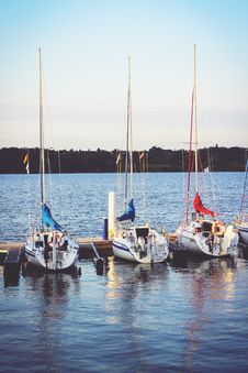 Free Boats On The River Royalty Free Stock Photography - 83010767