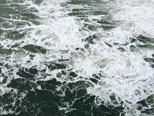 Free Foam In Ocean Waves Stock Images - 83011854