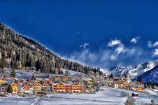 Free Ski Resort Stock Image - 83012491