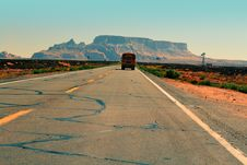 Free Bus On Desert Road Royalty Free Stock Images - 83012899