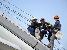 Free Workers On Safety Harnesses Royalty Free Stock Photos - 83013198