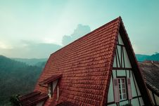 Free Rustic House Roof Stock Images - 83013394