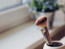 Free Make-up Brush In Cup Royalty Free Stock Photos - 83013678