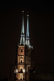 Free Spire Illuminated At Night Royalty Free Stock Photos - 83013688