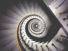 Free Spiral Staircase Stock Photo - 83013930
