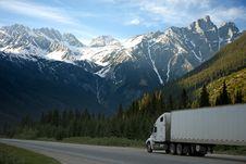 Free White Dump Truck Near Pine Tress During Daytime Royalty Free Stock Images - 83014459