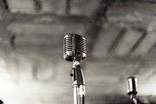 Free Vintage Microphone Stock Images - 83014494