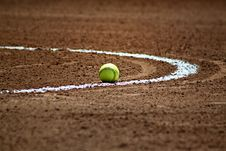 Free Green Tennis Ball In White Circular Line Stock Photography - 83014752