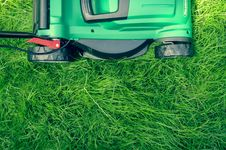 Free Green Push Lawn Mower Royalty Free Stock Photos - 83015028