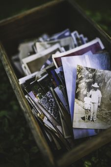 Free Old Photos In The Box Stock Photo - 83015780