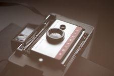 Free Vintage Polaroid Camera Royalty Free Stock Photo - 83015885