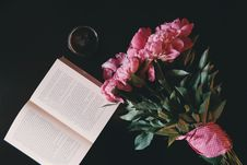 Free Pink Flower Bouquet Beside Opened Book Stock Image - 83015911