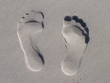 Free Sand Foot Prints Royalty Free Stock Photos - 83016168