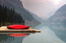 Free Red Boat On Dock During Daytime Royalty Free Stock Photos - 83017578