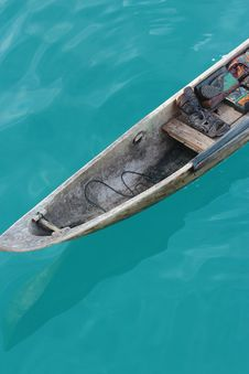 Free Brown Wooden Boat With Green Water Stock Photos - 83017583