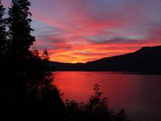 Free Sunset Over Lake Shores Royalty Free Stock Photo - 83017665