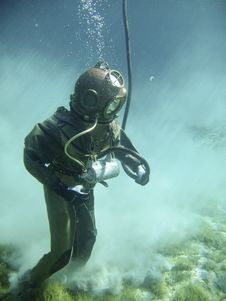 Free Person In Green Scuba Diving Suit Stock Image - 83017701