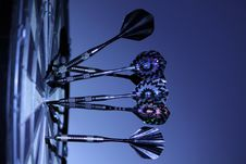 Free 6 Dart Pins On Dart Board Stock Photos - 83018173
