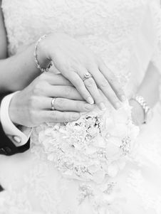 Free Hands Of Bride And Groom Stock Photos - 83018403
