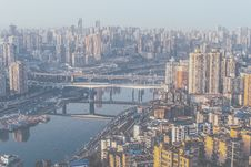 Free Aerial View Of A City Skyline And A Bridge Over The Water Stock Images - 83018864