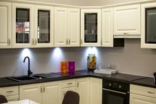 Free White Kitchen Cabinet Royalty Free Stock Photography - 83019057