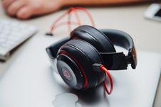 Free Beat Headphones Stock Images - 83019104