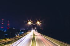 Free Blur Of Cars At Night Royalty Free Stock Photo - 83019185