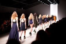 Free Womens Walking On Fashion Stage With Audience Watching Stock Images - 83019834