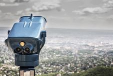 Free Blue Coin Operated Binocular With City View During Daytime Stock Photography - 83021332