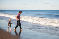 Free Father And Son On Beach Stock Photography - 83021602